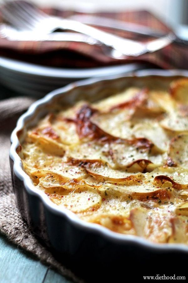 """<strong>Get the <a href=""""http://diethood.com/loaded-baked-potato-casserole/"""" target=""""_blank"""">Loaded Baked Potato Casserole re"""
