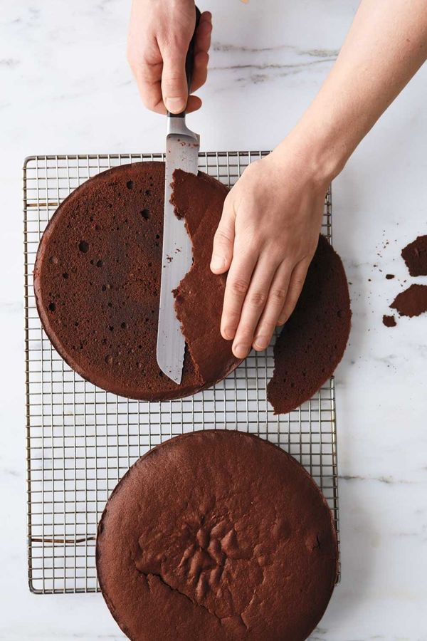 Let cakes cool in pans on a wire rack 20 minutes. Turn out onto rack, top-sides up; let cool completely. With a serrated knif