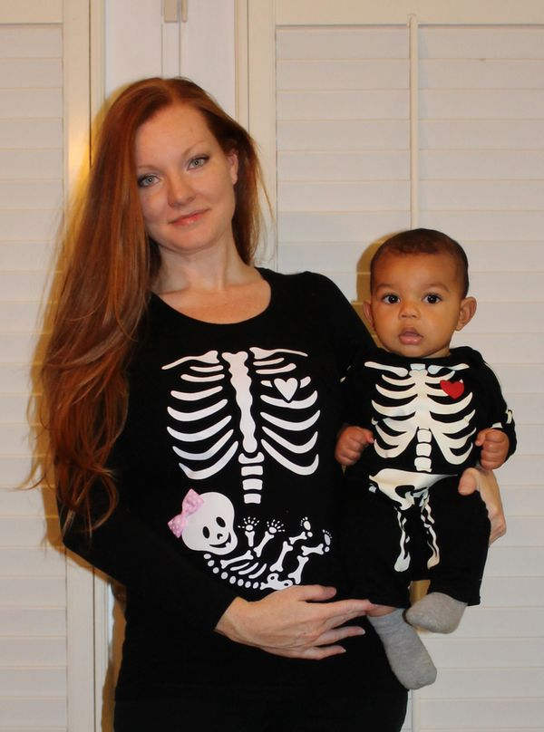 33 creative halloween costumes just for pregnant women huffpost - Pregnant Halloween Couples Costumes