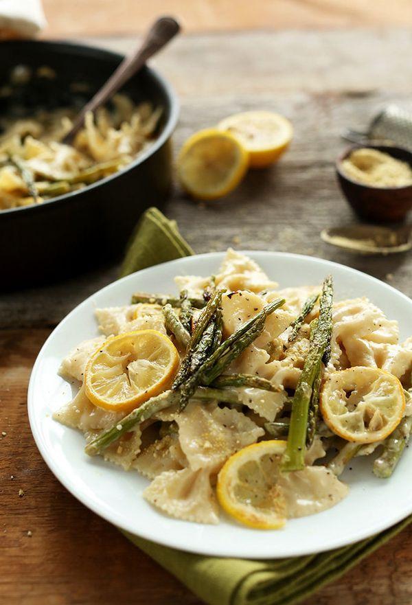 "<strong>Get the<a href=""http://minimalistbaker.com/creamy-vegan-lemon-asparagus-pasta/"">Creamy Vegan Lemon Asparagus Pa"