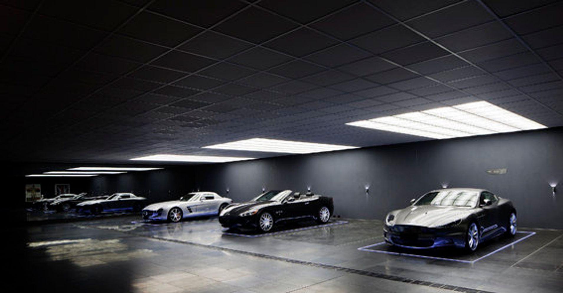 This underground garage would make batman seriously - Garajes para coches ...