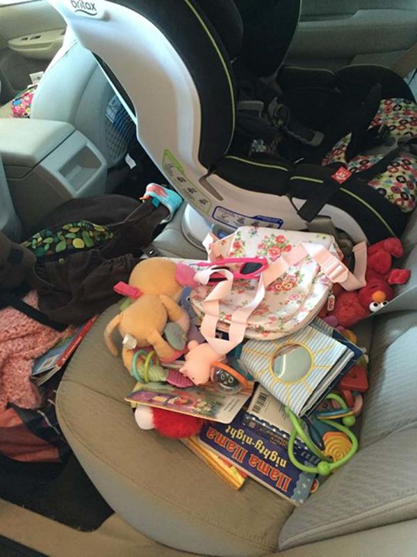 Car Seat Toys >> 10 Messy Car Backseats That Could Only Belong To Parents