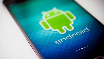 A Samsung Electronics Co. Galaxy Note Edge smartphone running the Android mobile operating system is arranged for a photograph in New York, U.S., on Tuesday, July 28, 2015. A researcher at a security firm revealed a hole in Android's source code that hackers can exploit, if they have a phone's number, with a text. Photographer: Chris Goodney/Bloomberg via Getty Images