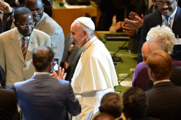 Pope Francis arrives to deliver a speech to the 70th session of the United Nations General Assembly on September 25, 2015, at