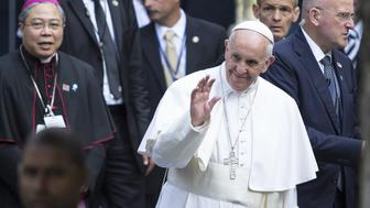 NEW YORK, UNITED STATES - SEPTEMBER 25: Pope Francis visits (C) 9/11 Memorial and Museum in New York, NY, USA on  September 25, 2015. Pope Francis is on a five-day trip to the USA, which includes stops in Washington DC, New York and Philadelphia, after a three-day stay in Cuba. (Photo by Bilgin S. Sasmaz/Anadolu Agency/Getty Images)