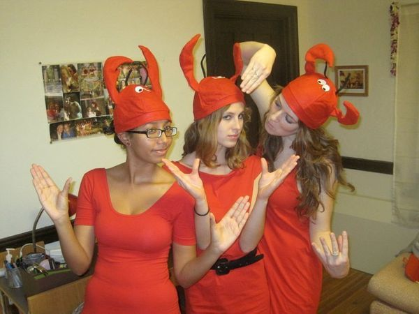 "All you need is a group of friends, red tunics and&nbsp;<a href=""http://www.amazon.com/Jacobson-Hat-Company-Mens-Lobster/dp/B"