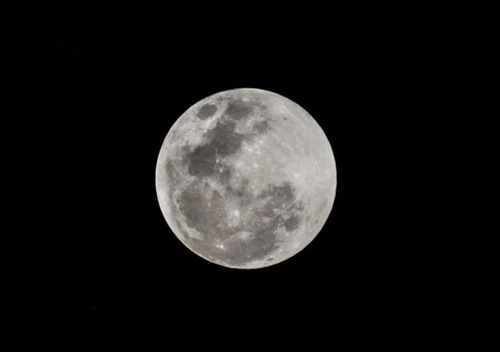 Submitted by Carolina Lopez Rosales, who shot the moon from Buenos Aires.