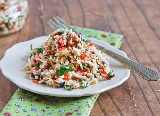 "<strong>Get the <a href=""http://www.spontaneoushausfrau.com/2012/09/24/raw-cauliflower-couscous/"">Raw Cauliflower Couscous re"