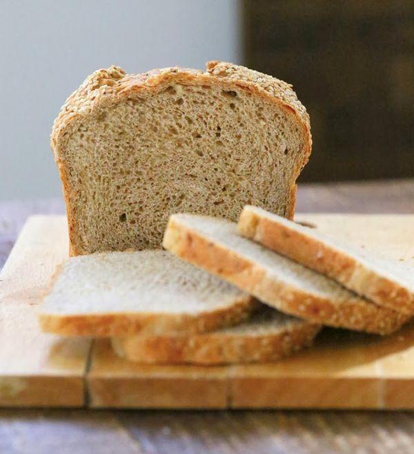 "<strong>Get the <a href=""http://www.veganricha.com/2013/10/cauliflower-sandwich-bread-loaf-vegan.html"" target=""_blank"">Caulif"