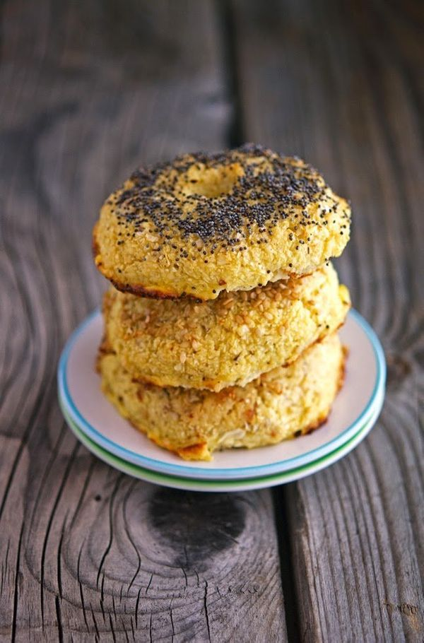 "<strong>Get the <a href=""http://www.theironyou.com/2014/09/cauliflower-bagel-blts.html"" target=""_blank"">Cauliflower Bagels re"