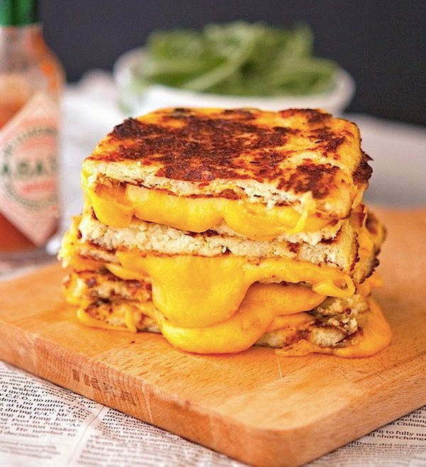 "<strong>Get the <a href=""http://www.theironyou.com/2014/05/cauliflower-crust-grilled-cheese.html"" target=""_blank"">Cauliflower"