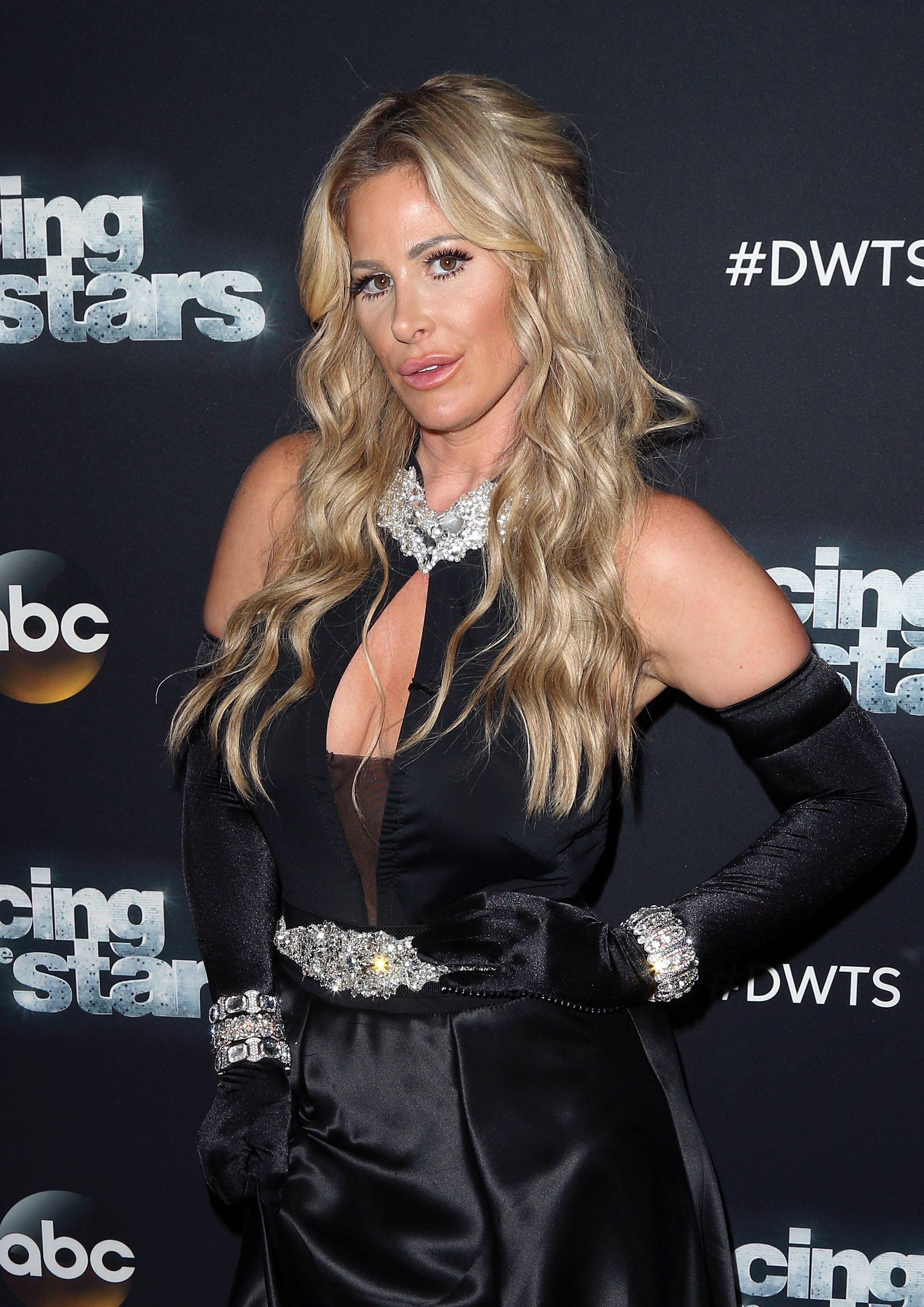 LOS ANGELES, CA - SEPTEMBER 21:  TV personality Kim Zolciak Biermann attends 'Dancing with the Stars' Season 21 at CBS Televison City on September 21, 2015 in Los Angeles, California.  (Photo by David Livingston/Getty Images)