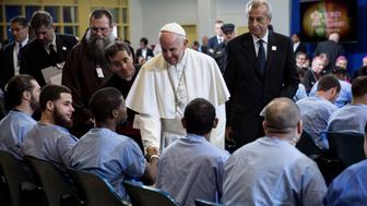 PHILADELPHIA, PA  - SEPTEMBER 27:  Pope Francis visits with inmates during his visit to the Curran-Fromhold Correction Facility September 27, 015 in in Philadelphia, Pennsylvania. The pope met with some inmates, their families and prison staff.  (Photo by Todd Heisler-Pool/Getty Images)