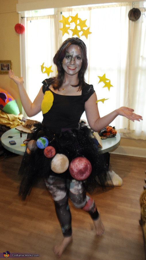 "This costume is out of this world.<br><br><a href=""http://www.costume-works.com/costumes_for_women/ms_universe.html"">via Cost"