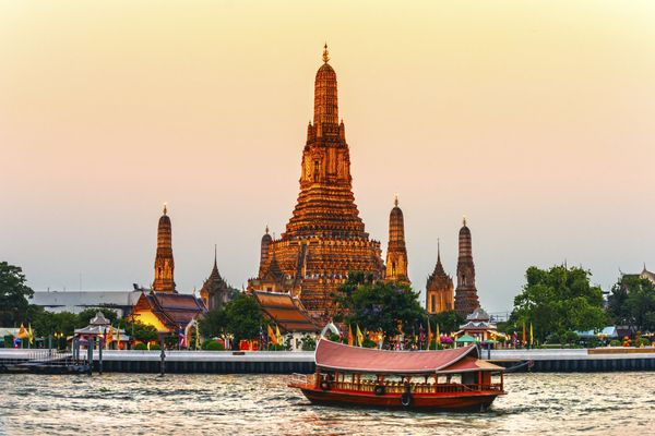 Median Hotel Rate: $71<br><br>Bangkok's best weather months are from November to February, where the city cools off slightly