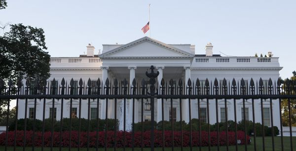 "You must submit public&nbsp;<a href=""https://www.whitehouse.gov/participate/tours-and-events"">White House tour requests</a>&n"