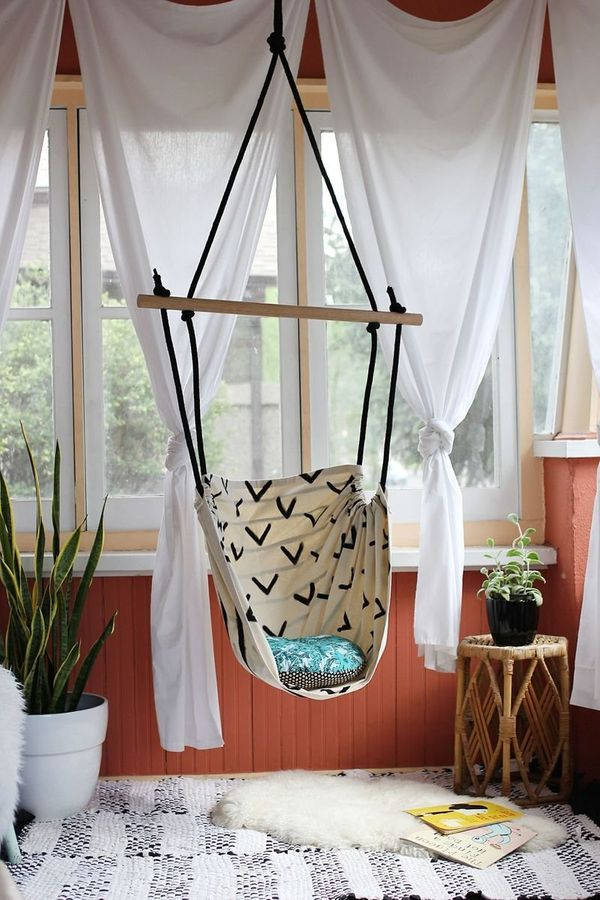 "Create a cozy spot to curl up with this <a href=""http://www.abeautifulmess.com/2014/06/hammock-chair-diy.html"">DIY Hammock Ch"
