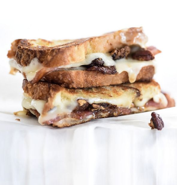 """<strong>Get the<a href=""""http://www.foodiecrush.com/brown-sugar-pecans-and-sweet-bacon-with-havarti-grilled-cheese/"""">Bro"""