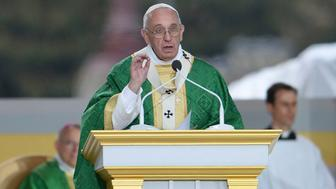 PHILADELPHIA, PA - SEPTEMBER 27:   Pope Francis delivers the homily as he celebrates mass at the World Meeting of Families at Benjamin Franklin Parkway iSeptember 27, 2015 n Philadelphia, Pennsylvania. This is the final day of a five-day trip to the USA, which includes stops in Washington DC, New York and Philadelphia, after a three-day stay in Cuba. Pope Francis added the Cuba visit after helping broker a historic rapprochement between Washington and Havana that ended a diplomatic freeze of more than 50 years.  (Photo by CJ Gunther-Pool/Getty Images)