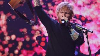 TORONTO, ON - SEPTEMBER 20:  Ed Sheeran performs at Air Canada Centre on September 20, 2015 in Toronto, Ontario.  (Photo by Taylor Hill/Getty Images)