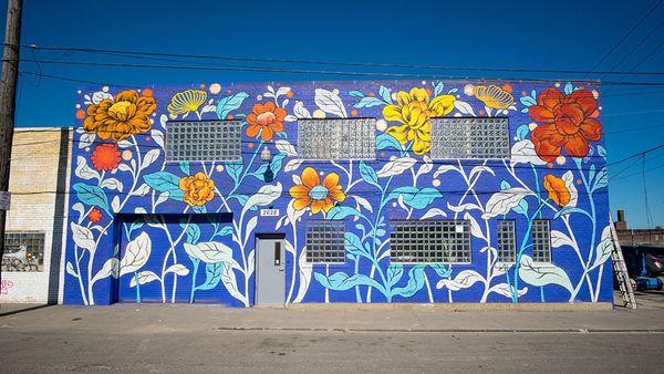 Mural by Ouizi.