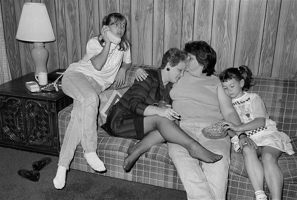 "<strong>Pinky and Diane, with 2 of Diane's 8 children, Kenner, Louisiana, April 1988<br><br></strong>""If I put on a dre"