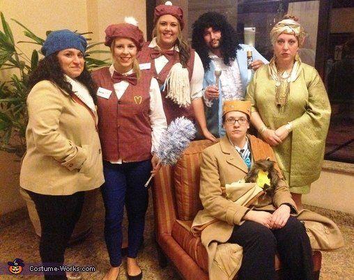 "via&nbsp;<a href=""http://www.costume-works.com/movie_and_tv_show_costumes/coming-to-america1.html"">Costume-works.com</a>"