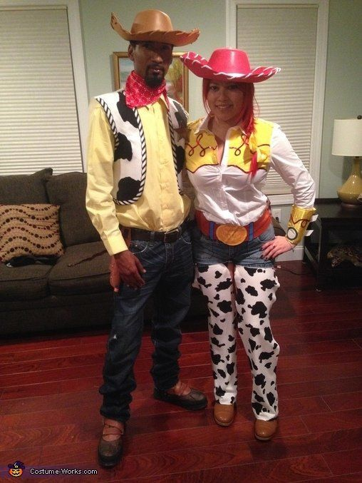 """via&nbsp;<a href=""""http://www.costume-works.com/movie_and_tv_show_costumes/jessie-n-woody.html"""">Costume-works.com</a>"""