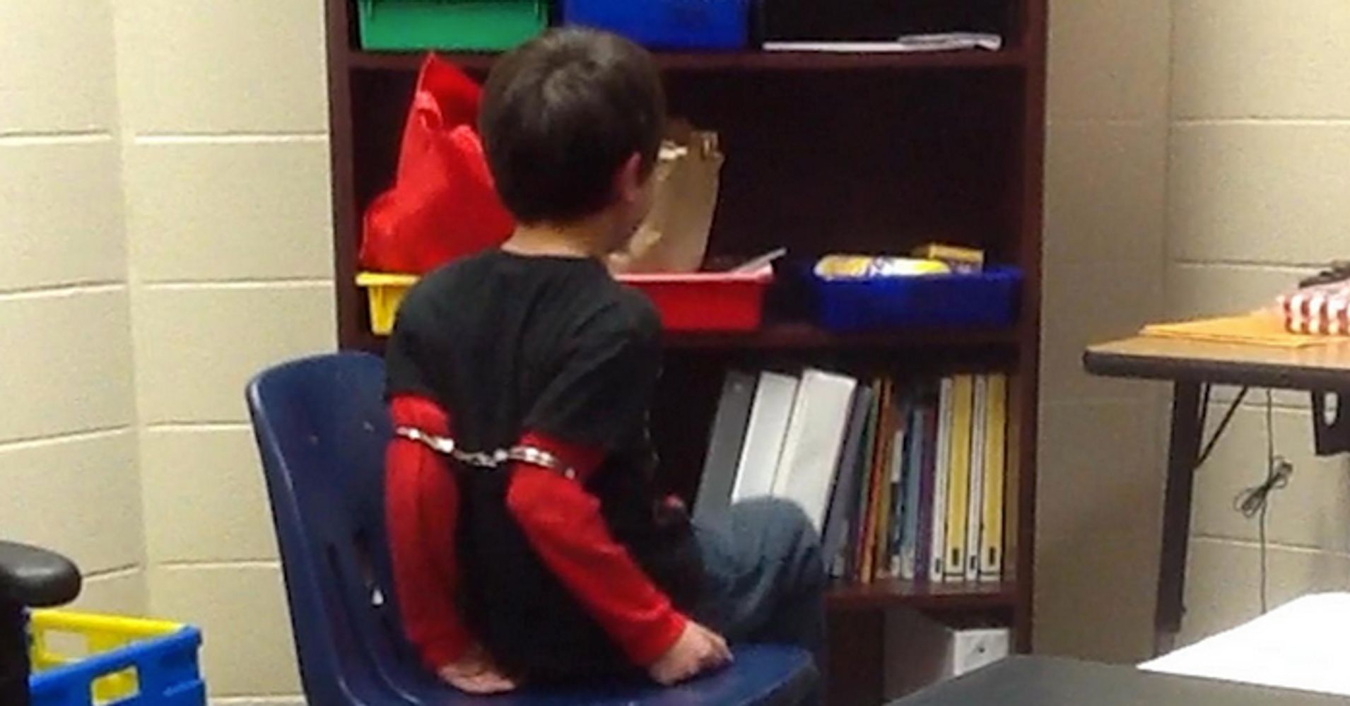 Handcuffing Third Grader Interactions >> Handcuffing Little Kids May Not Be Reasonable Says Obama Doj
