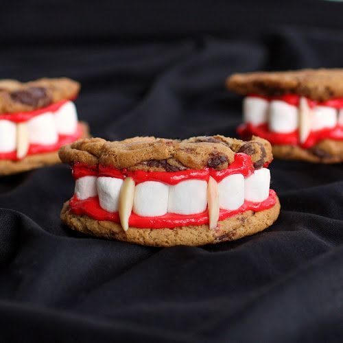"""<strong>Get the <a href=""""http://www.the-girl-who-ate-everything.com/2011/10/draculas-dentures-for-halloween.html"""" target=""""_bl"""