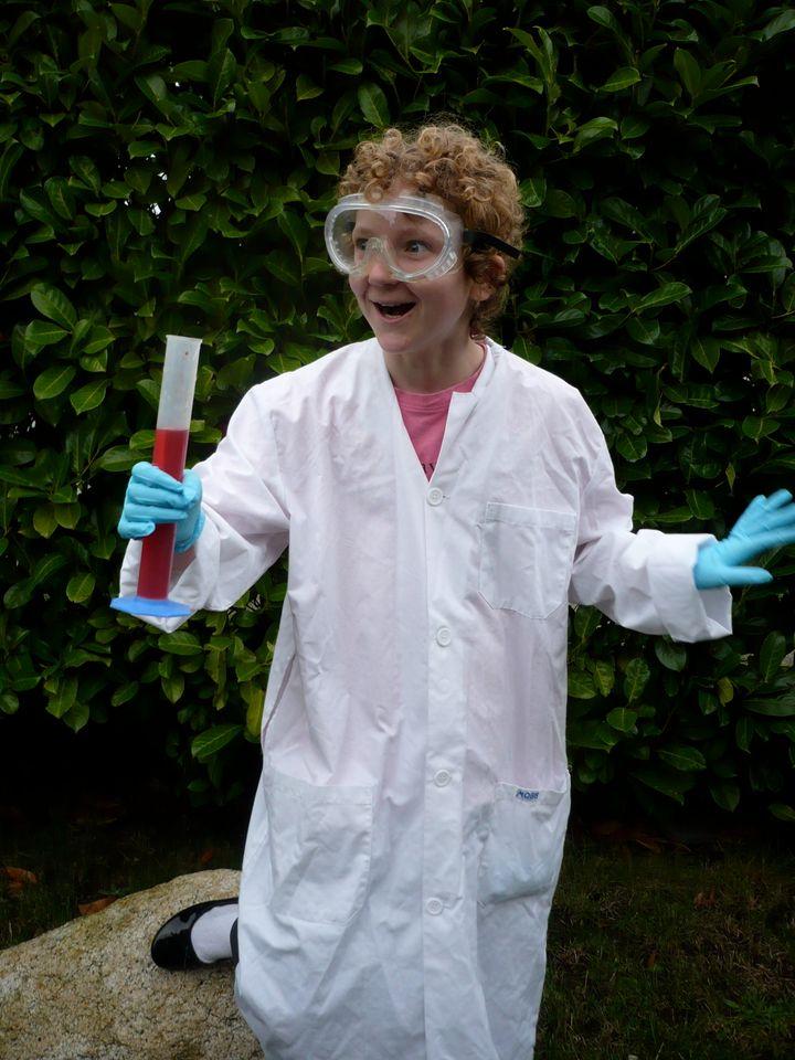 14 Diy Halloween Costumes For Science Geeks Huffpost