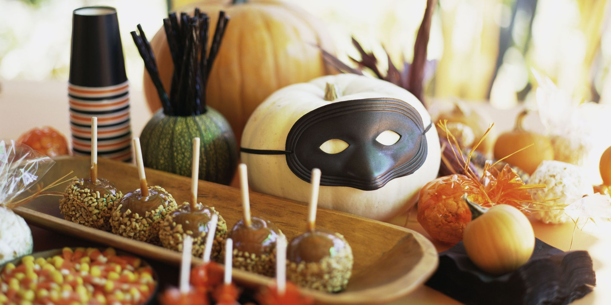 13 Non-Cheesy Yet Adorable Halloween Decorations For Your Home  The ...