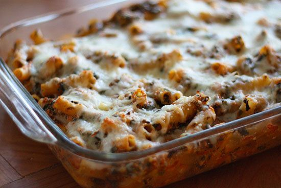 "<strong>Get the <a href=""http://www.skinnytaste.com/2010/09/low-fat-baked-ziti-with-spinach.html"">Baked Pasta With Spinach re"