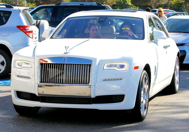 Kylie Jenner Is Now Driving A Rolls Royce Ghost Making Her Birthday Ferrari So Two Months Ago Huffpost
