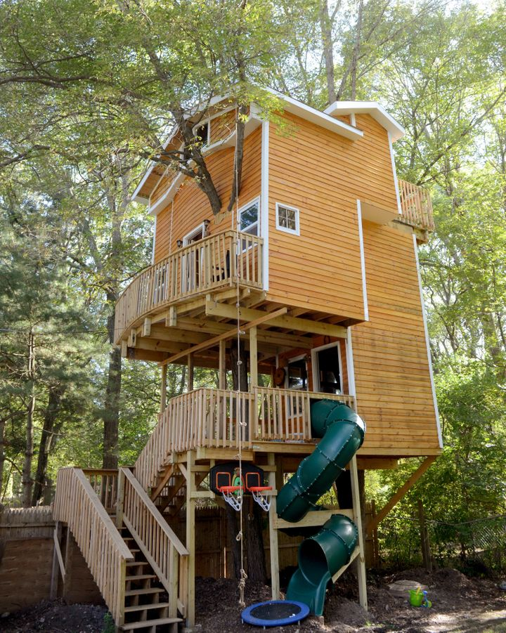 One Grandfather Built The Ultimate Treehouse For His Grandkids | HuffPost