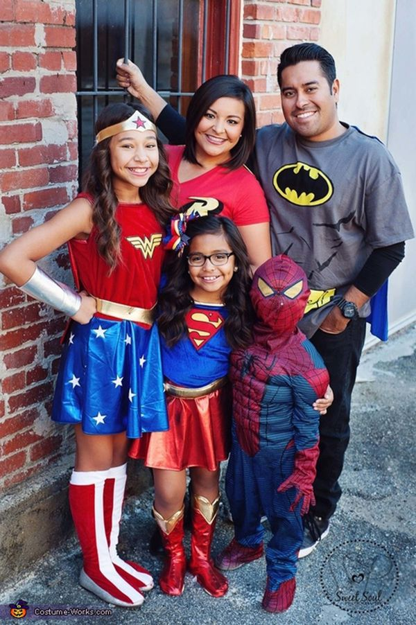 Halloween Family Costumes 47 fun freaky and fantastic family halloween costumes 6 Super Family
