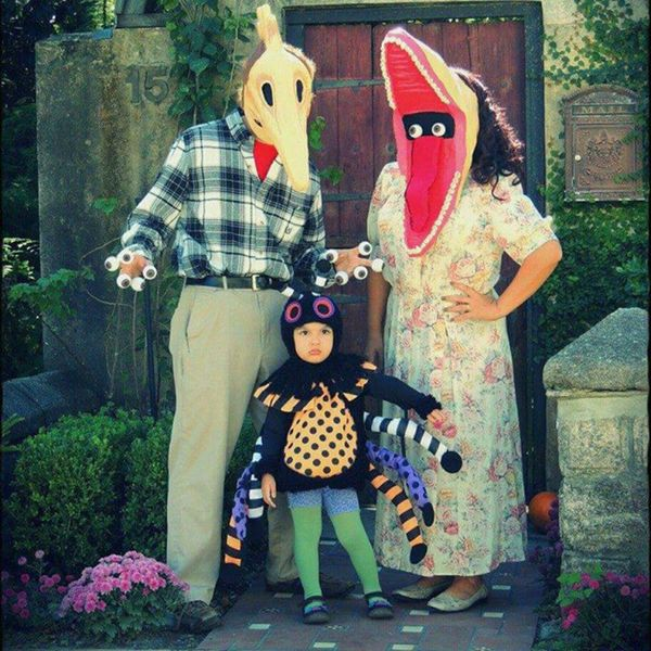 these 53 family halloween costumes are pure coordinated joy huffpost - Family Halloween Costumes For 4