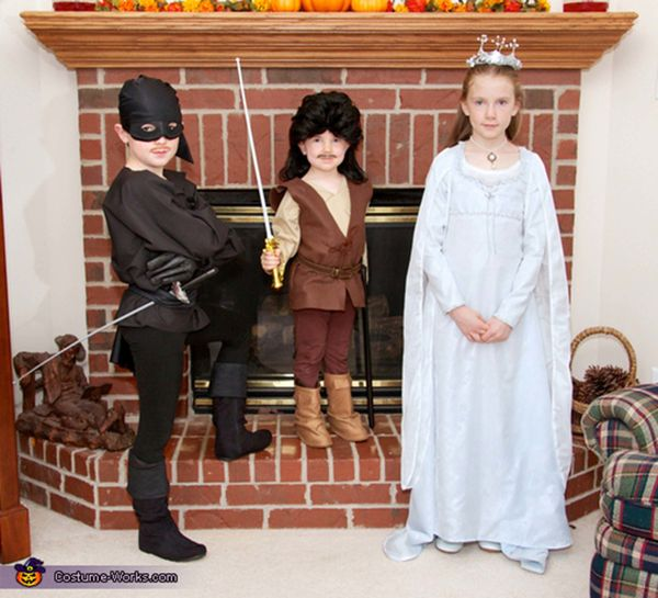 "Via <a href=""http://www.costume-works.com/costumes_for_groups/the_princess_bride.html"" target=""_blank"">Costume Works</a>"
