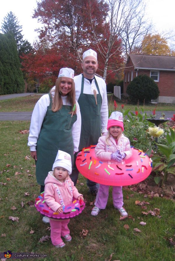 These 53 Family Halloween Costumes Are Pure Coordinated