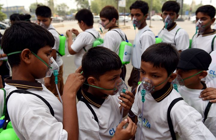 New Delhi's government is introducing measures to reduce pollution in the city.