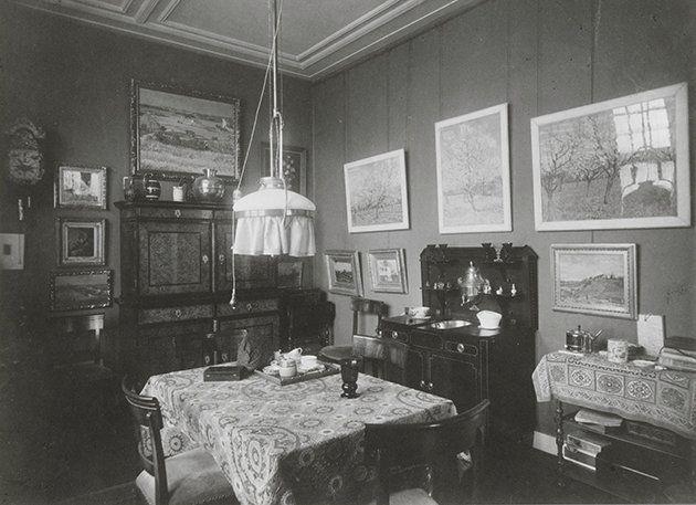 Interior of house on the Koninginneweg 77 in Amsterdam, where Jo van Gogh-Bonger lived.