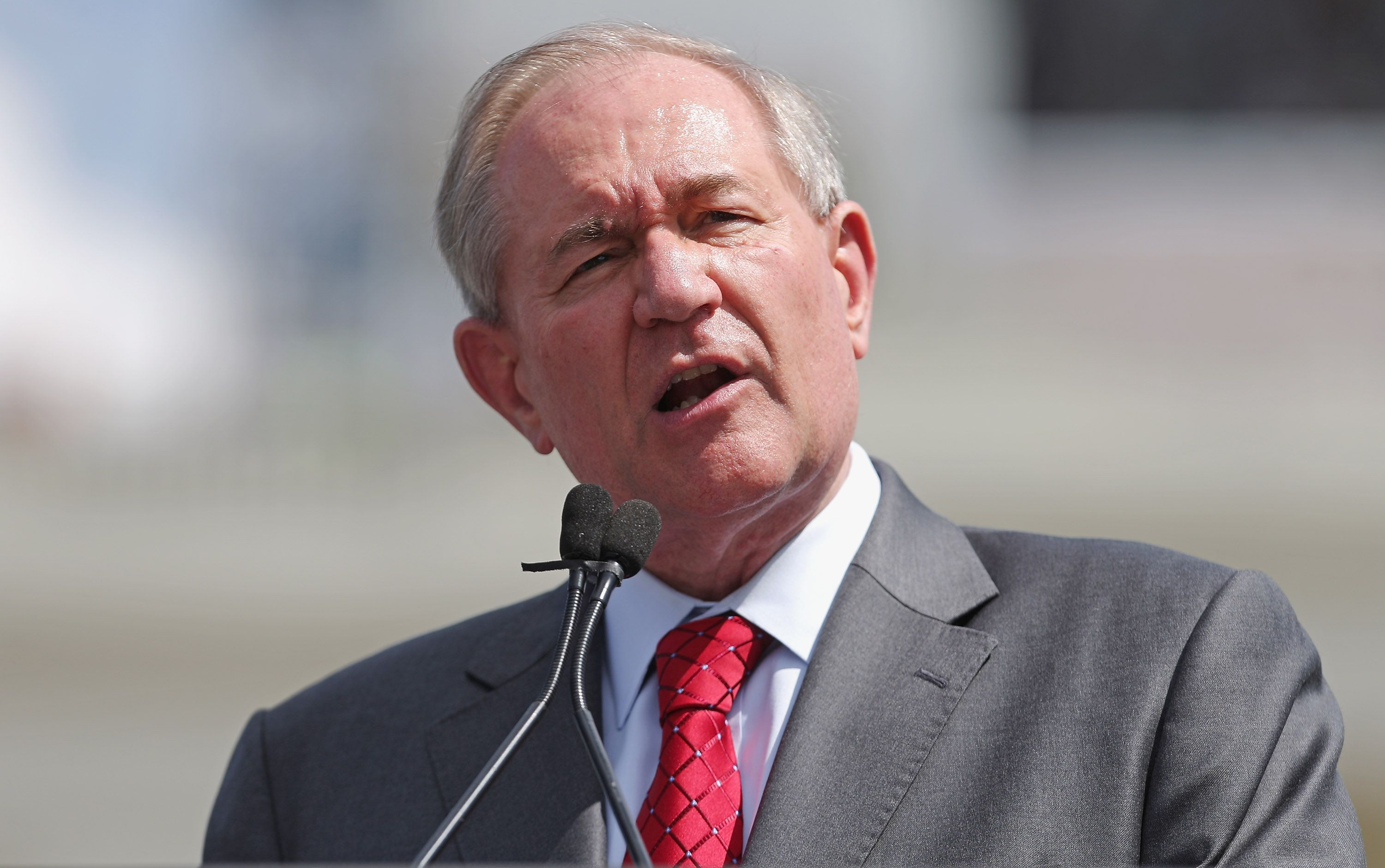 WASHINGTON, DC - SEPTEMBER 09:  Republican presidential candidate Jim Gilmore addresses a rally against the Iran nuclear deal on the West Lawn of the U.S. Capitol September 9, 2015 in Washington, DC. Thousands of people gathered for the rally, organized by the Tea Party Patriots, which featured conservative pundits and politicians.  (Photo by Chip Somodevilla/Getty Images)