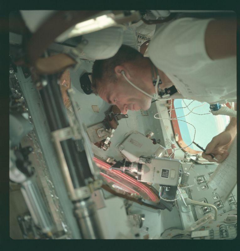 nasa apollo 11 landing audio - photo #41