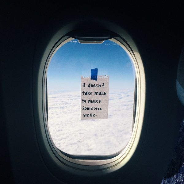 Flight Attendant Makes Everyones Day With Anonymous Notes