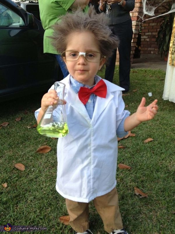 """Via <a href=""""http://www.costume-works.com/mad_scientist2.html"""">Costume Works</a>"""