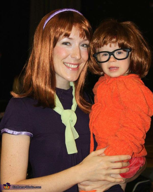 """Via <a href=""""http://www.costume-works.com/scooby_doo_gang-2.html"""">Costume Works</a>"""