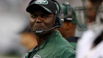 EAST RUTHERFORD, NJ - SEPTEMBER 13:   Head coach Todd Bowles of the New York Jets  stands on the sidelines during the game against the Cleveland Browns at MetLife Stadium on September 13, 2015 in East Rutherford, New Jersey.  (Photo by Jeff Zelevansky/Getty Images)