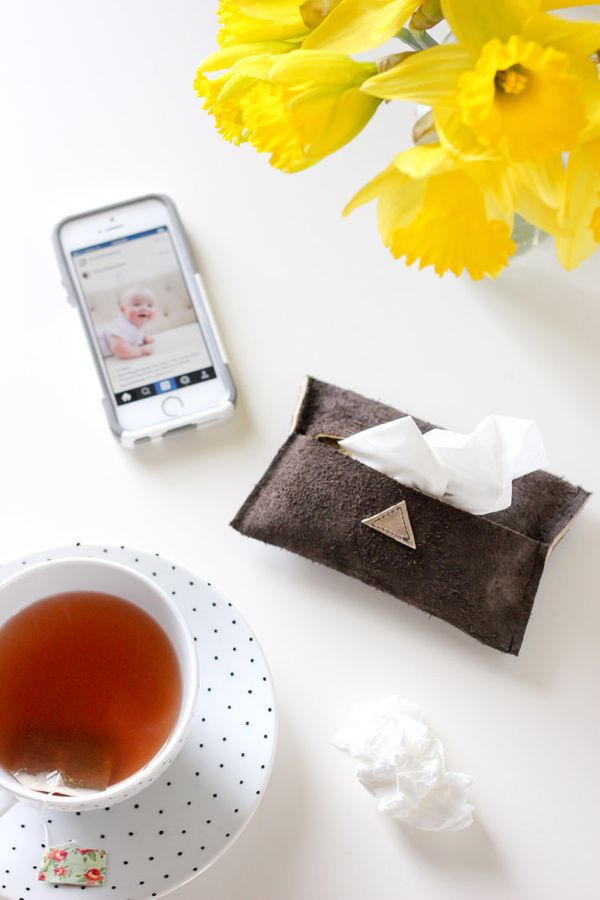 "Fight your next cold in style with a DIY travel tissue pouch. <a href=""http://www.deliacreates.com/diy-leather-travel-tissue-"