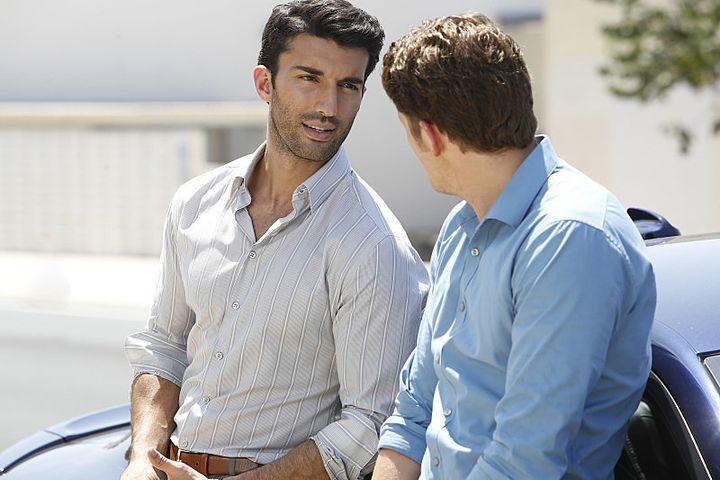"Rafael (Justin Baldoni) and Detective Michael Corder (Brett Dier) in ""Jane The Virgin."""