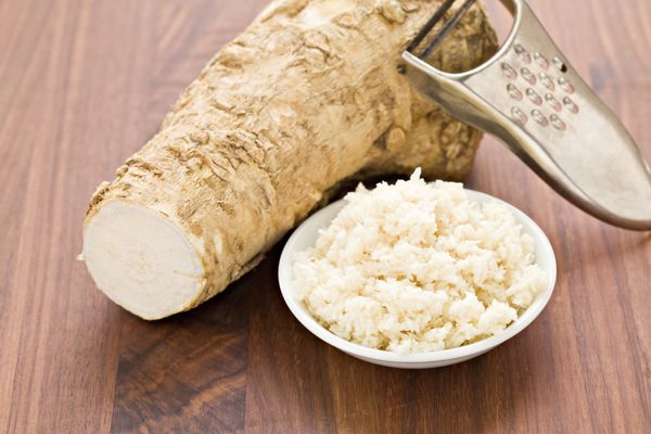 "<a href=""http://eatocracy.cnn.com/2012/01/03/wasabi-get-a-healthy-boost-from-the-fiery-root/"" target=""_blank"">Horseradish</a>"